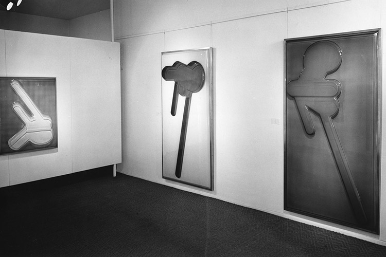 Installation view of Crai Kauffman exhibition at Ferus Gallery, 1965. Photo by Frank J. Thomas